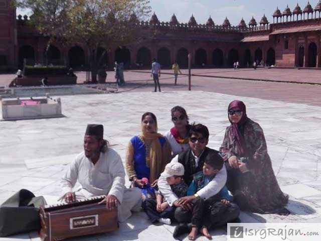 Family at Fatehpur Sikri Dargah