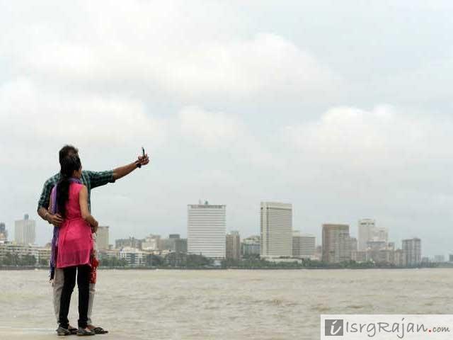 Marine Drive, Marine Drive Mumbai, Marine Drive Couples