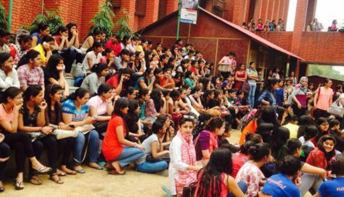 Delhi university Girls Colleges