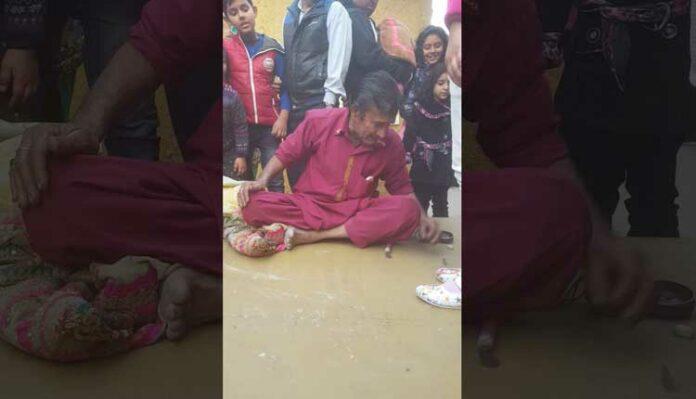 Hath Ki Safai The Funny Indian Street Magic Show