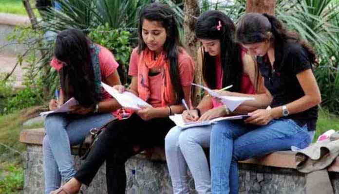 Delhi University Girls, DU Girls