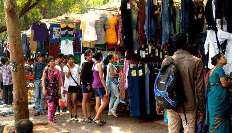 Fashion Street, MG Road near Azad Maidan