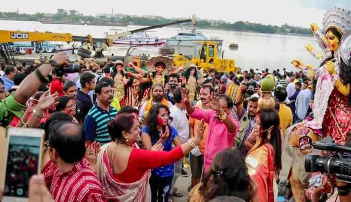 idol immersion at Ganges