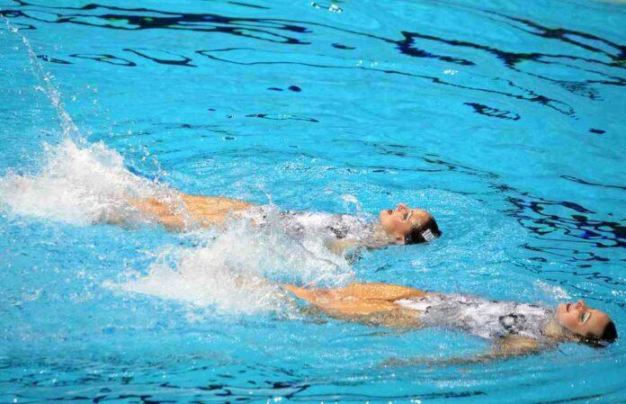 Girls Swimming, Pool
