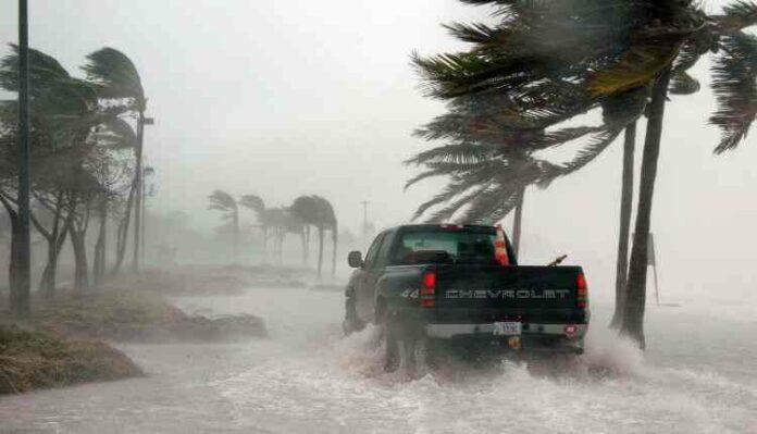 Flood, Storm, car