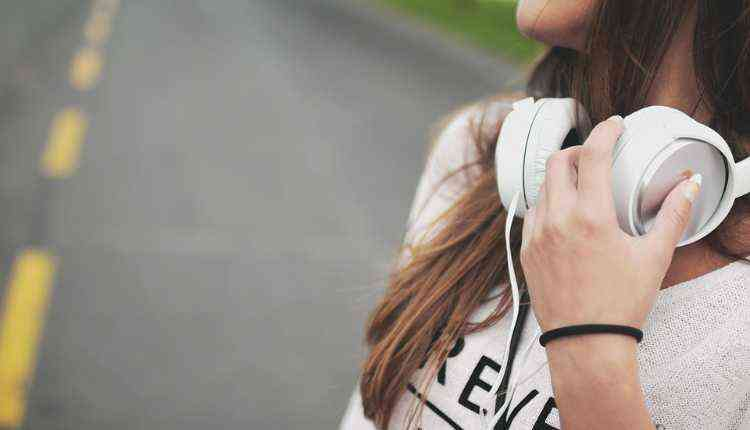 Headphones, girl, college fest