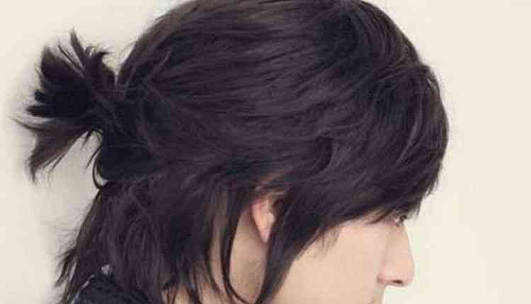 Korean flowing-Side-lock man bun