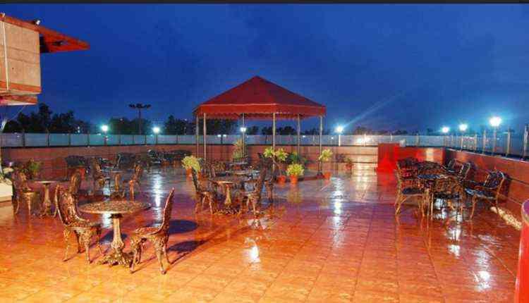Gravity Restro Lounge, Noida