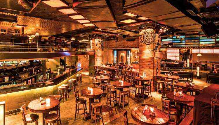 Manhattan Bar, Gurugram