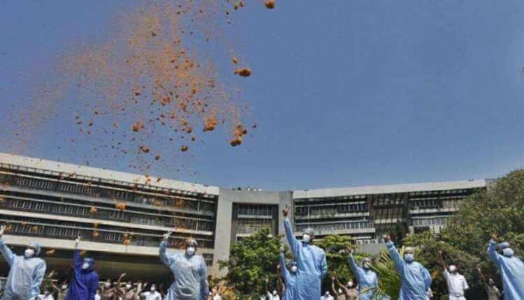 Aerial Salute, Doctors