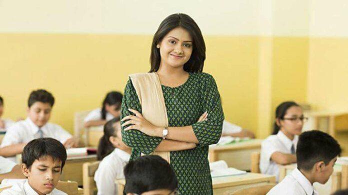 Indian, Teacher, Class Teacher, Woman, Lady, Female