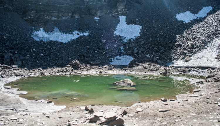 Skeleton Lake, Uttarakhand