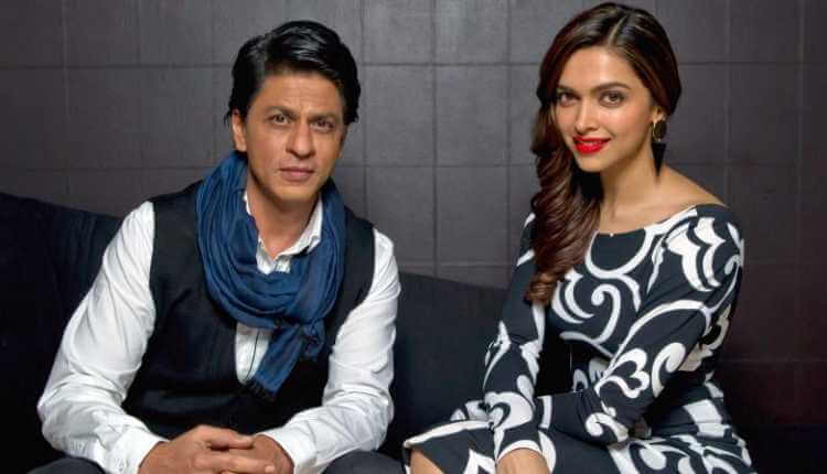 Wearing Dark Coloured Clothes Or Umbrellas, Sharukhan Dan Deepika Padukone
