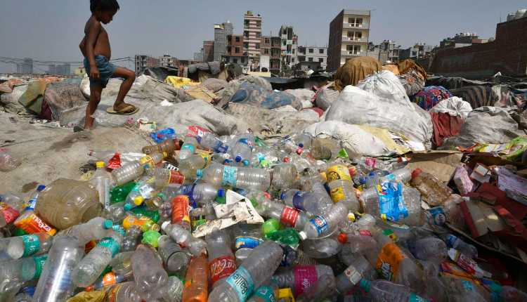 India Plastic Garbage Dump, Garbage