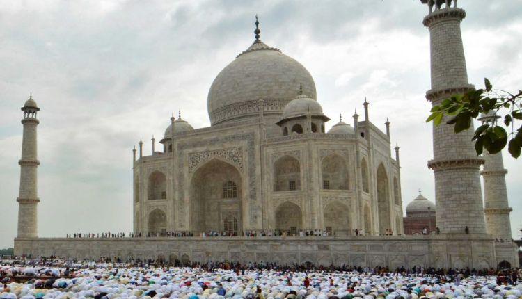 Taj Mahal Friday Prayer