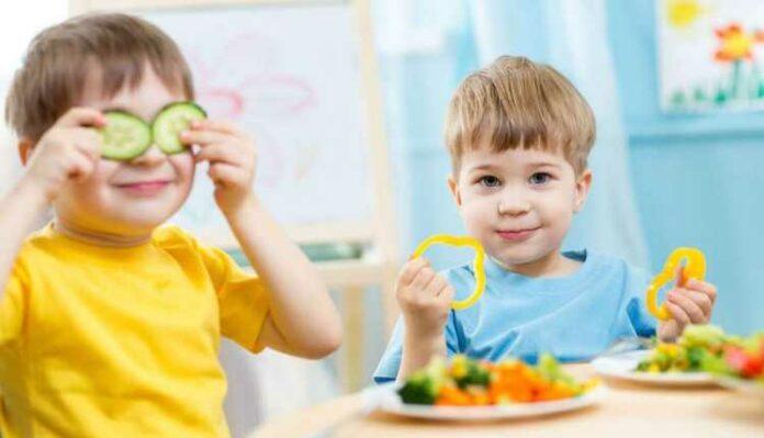 Toddler Eating, Kids, Eating, Playing