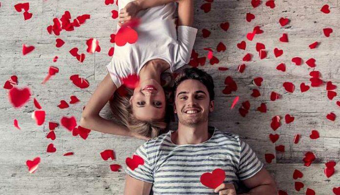Valentines Day, Couple, Husband, Wife, Girlfriend, Boyfriend, Flowers, Love