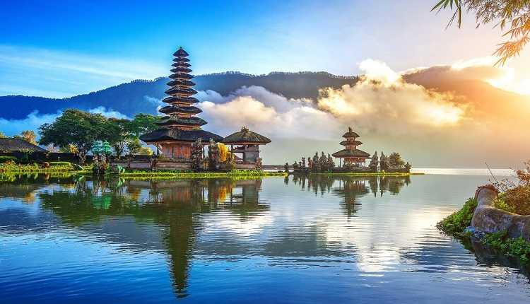 Indonesia, Bali, Ulun Danu Beratan Temple, Pura Bratan, Shiva Temple