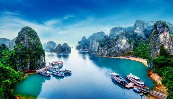 Halong Bay, Hạ Long Bay, Vietnam,limestone, Rainforests, Island,